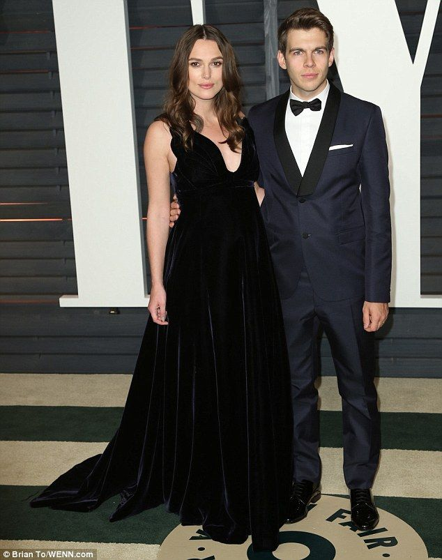 Pregnant Keira Knightley and husband match outfits at Oscars party #dailymail