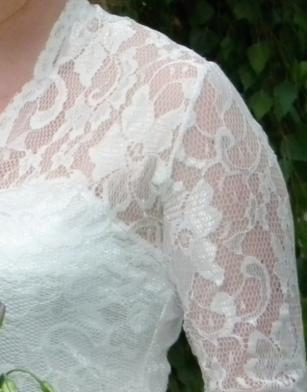 Netradiční svatební šaty - šaty 3.jpg