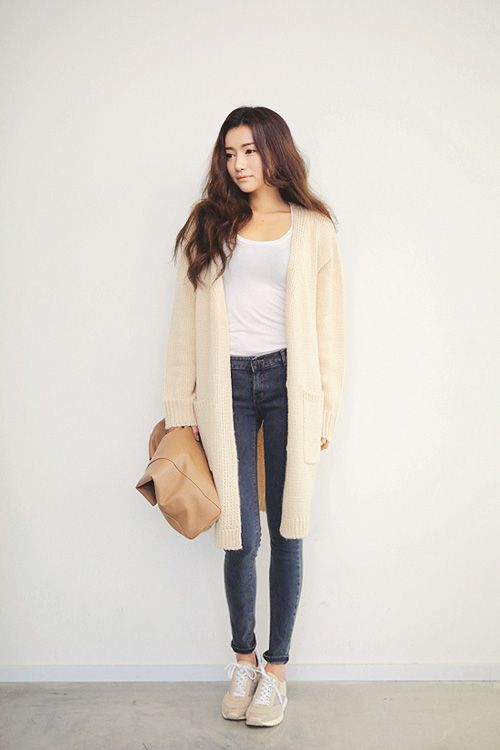 Cream cardi and sneakers. - 258 Best Dress In Style Images On Pinterest