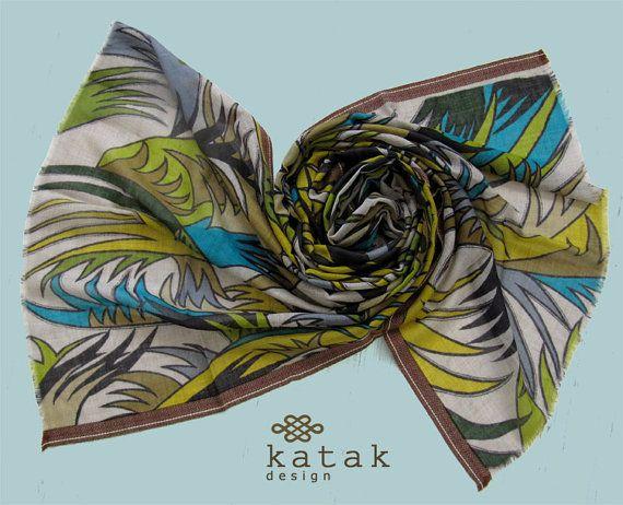pañuelo estampado de lana y seda con tonos verdes y motivos florales, multicolor fular para mujer