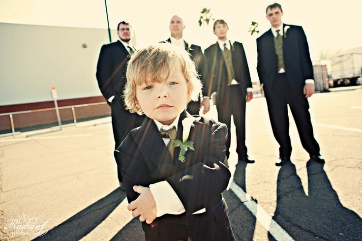Love this idea!!Pictures Ideas, Photos Ideas, Rings Bearer, Wedding Pics, Groomsman Photos, Groomsmen Photos, Cute Ideas, Wedding Pictures, Flower Girls