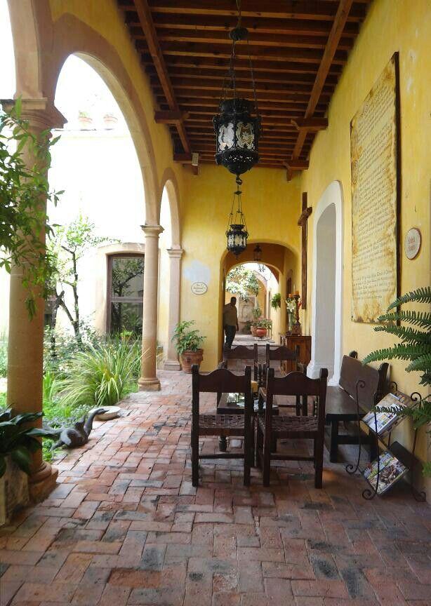 Porche de la Hacienda Sepulveda/ Lagos de Moreno Jalisco.