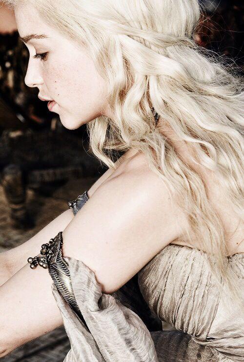 Khaleesi // Daenerys Targaryen // Mother Of Dragons // Game Of Thrones // Emilia Clarke