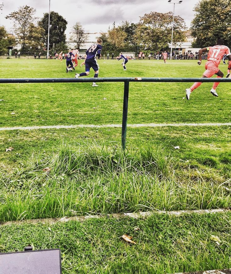 Intense local game at home  #NatureFieldsForever #charlottenburg #kreisliga #berlin #Fußball #solarenergy #greenenergy #greenliving #sustainableliving #tabletcase #goldfinkplanner