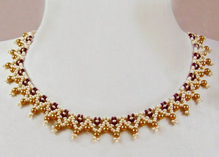 Free pattern for necklace Miranda