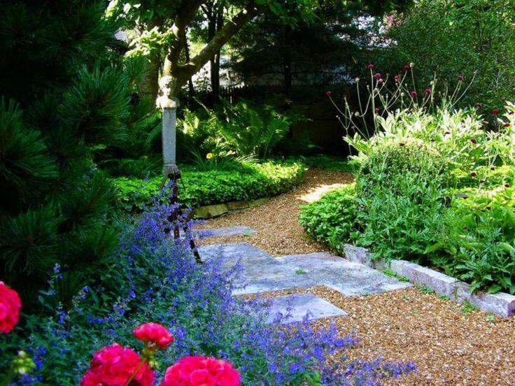 Le jardin est un petit coin de verdure qui fait du bien au moral et qu'on aime fréquenter car il est souvent synonyme de bien-être et de calme. C'est d'ailleurs pour cela qu'on aime tant prendre soin de l'aménager avec goût. De belles fleurs bien entretenues et un espace aménagé avec soin sont gages d'encore...