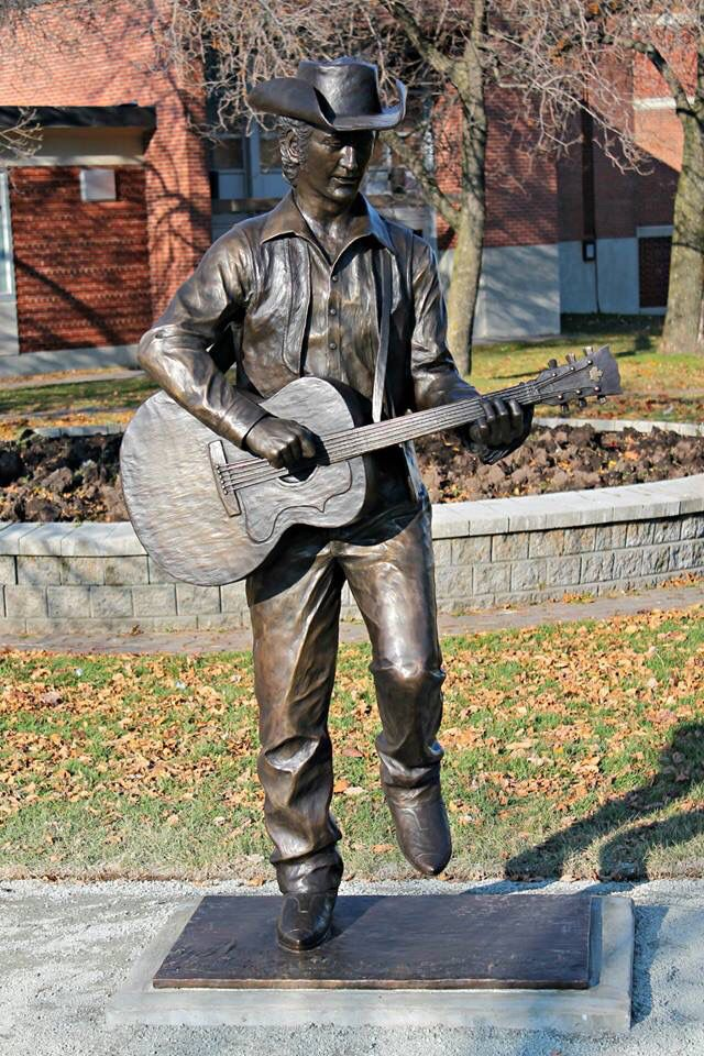 Stompin' Tom Connors honored in Sudbury, Ontario