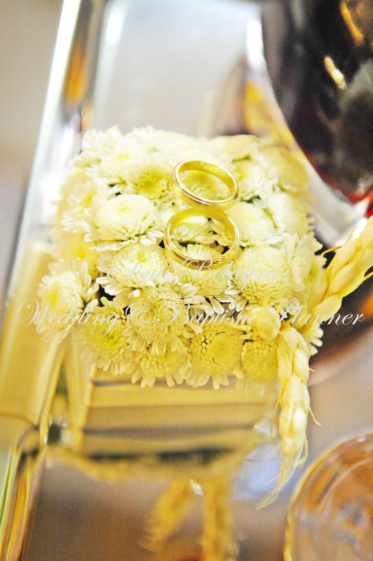 #veres #weddingrings #veres_decoration #wedding_rings_decoration#candles#lampades#lampades_gamou#staxia#bombonieres#stolismos_gamou#stolismosgamou#weddingdecoration#wedding#weddingplaner#weddingflower#weddingdecoration#roses#flower#comfits#koufeta#guestbook#vivlio_euxwn#louloudia#gamos#anthostolismos#elinabelagra