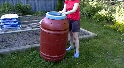 4 DIY Compost Bins You Can Build in One DayOne Day, Gardens Ideas, Compost Bins, Diy Compost, Buildings, Bins Diy, Compost Ideas, Gardens Backyards, Gardens Growing