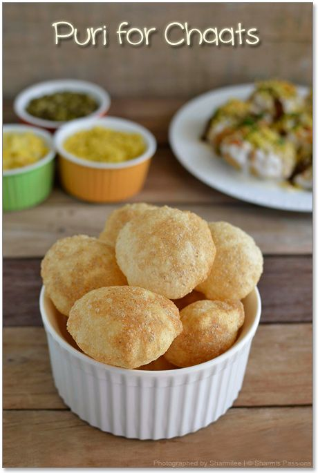 How to make puri for chaat(Chaat Puri) Rawa(semolina/sooji)- 1/2 cup Maida(all purpose flour ) - 1/2 tbsp Urad Dhal Flour - a pinch Oil - 1 tsp Warm water or Club soda water - As needed Salt - to taste