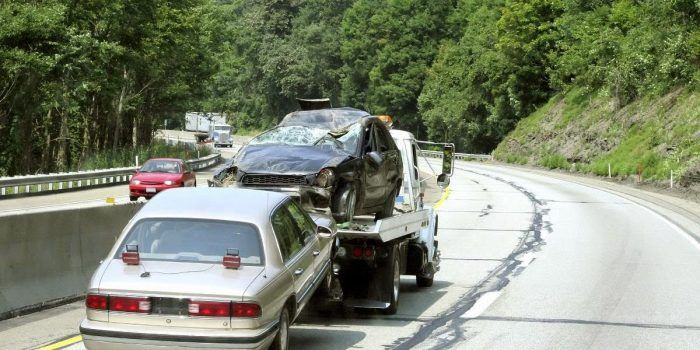 4 Reasons Why You Should Sell Your Old Car Towing Company