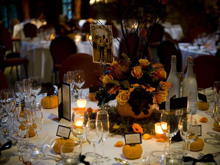 spooky but elegant halloween wedding table settings weddingomania - Halloween Centerpieces Wedding