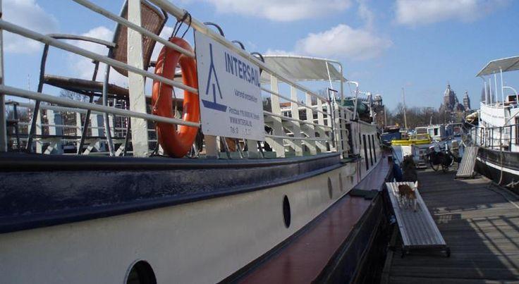 €117,70 L'Intersail Hostel vous accueille sur une petite péniche située dans le centre-ville d'Amsterdam, à moins de 10 minutes à pied de la gare centrale et à 15...