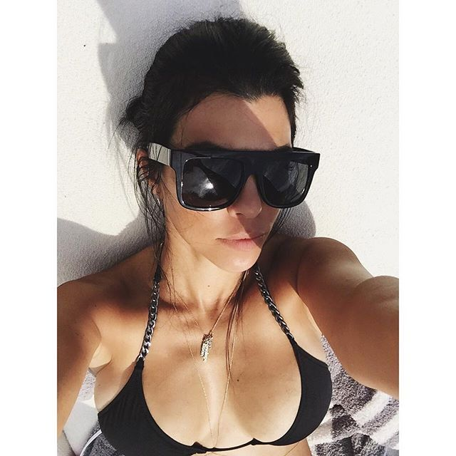 Pin for Later: Die 35 absolut heißesten Promi-Selfies des Jahres 2015 Kourtney Kardashian