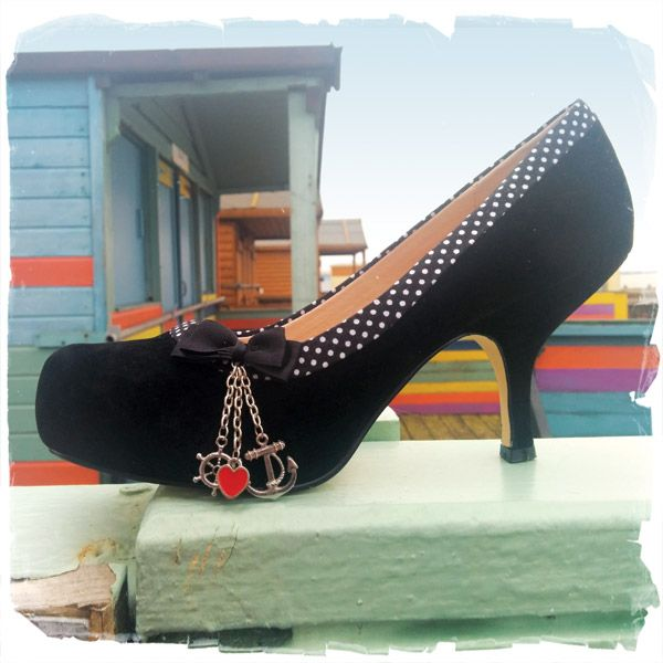 Helllo Sailor also comes in black .. just as nautical and gorgeous as its sister in red!