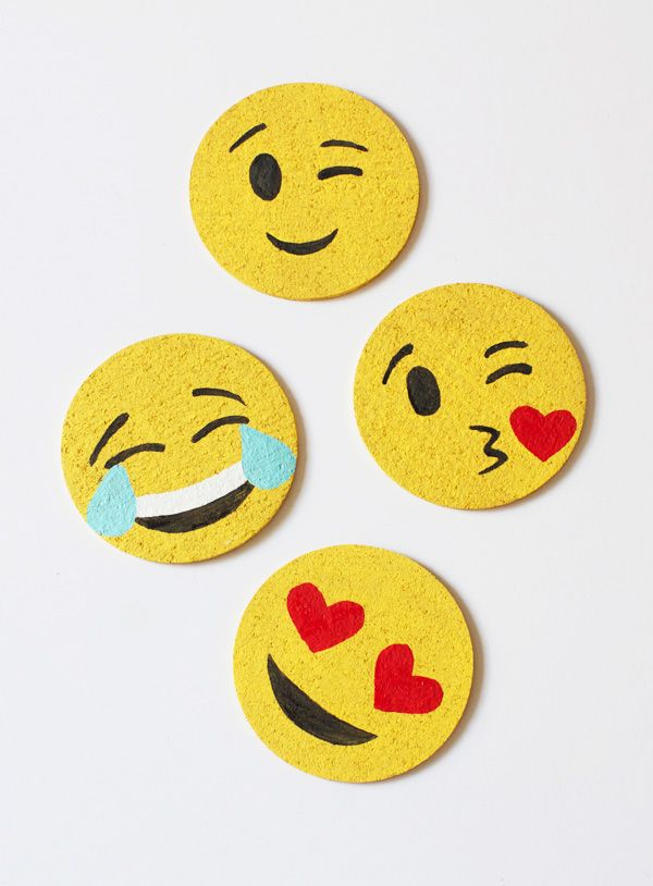 DIY: emoji coasters
