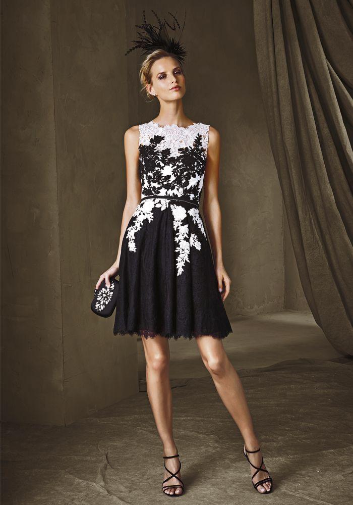Sofisticado vestido corto de encaje y guipur. El eterno binomio blanco negro se…