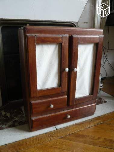 17 meilleures id es propos de anciennes armoires. Black Bedroom Furniture Sets. Home Design Ideas