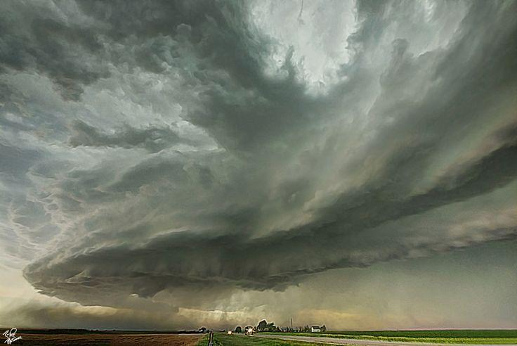 Tornado Warned storm near Grant Nebraska June 2013. Image credit: Zach Roberts