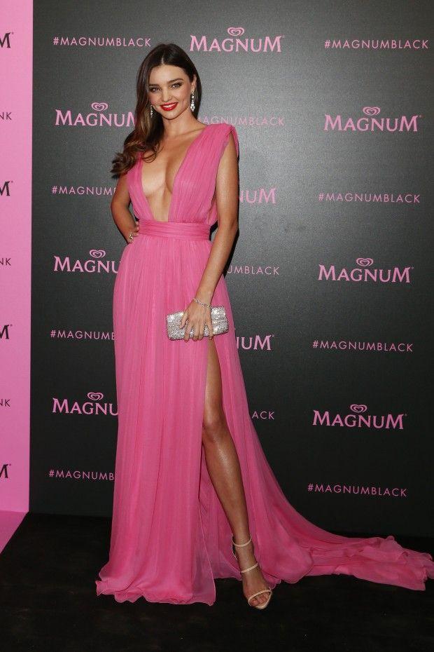 Os looks do segundo dia do Festival de Cannes. Tem Miranda Kerr, Julianne Moore, outras lindas e ainda uma russa MUITO louca.