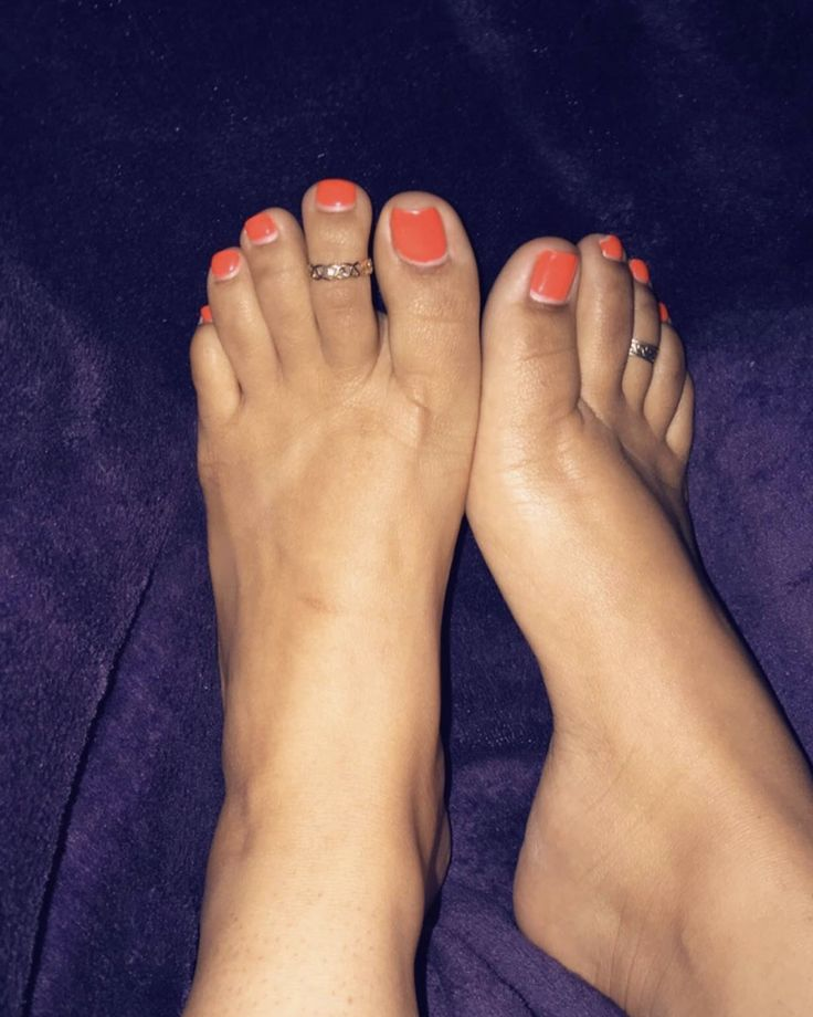 I sell feet pictures! I also take requests! feet feetpic