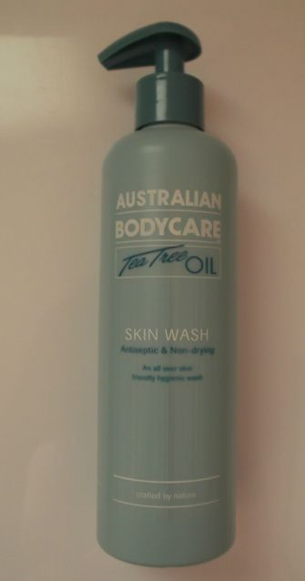 Washing My Makeup Brushes with Australian Bodycare Tea Tree Body Wash Review