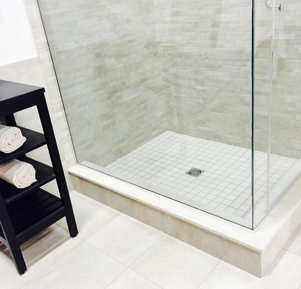 O mofo no banheiro é um problema comum e incômodo, por isso aprenda a se livrar dele com estas dicas :) #casa #mofo  #banheiro