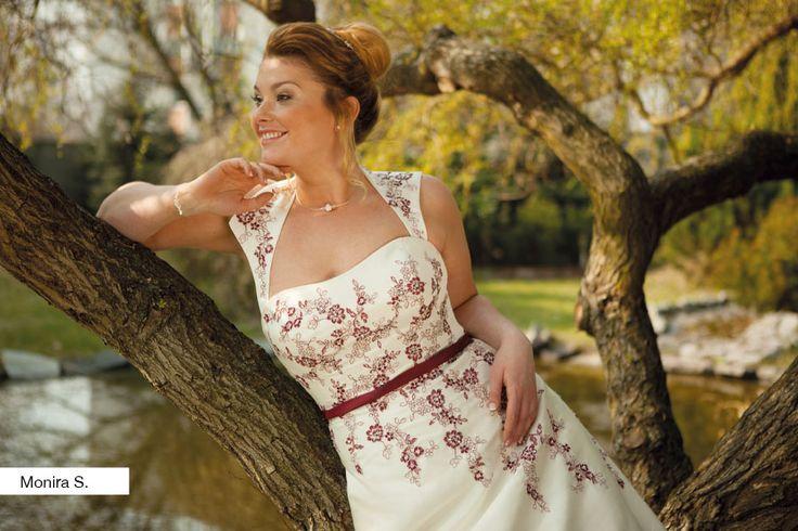 Brautkleid Monira aus der Lohrengel Brautmoden Kollektion Molly Monroe 2015 :: plus size bridal dress from the 2015 Molly Monroe Collection by Lohrengel