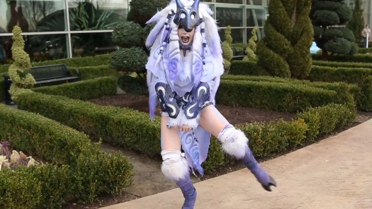 Jessica Nigri Kindred Cosplay- Katsucon 2016