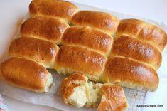 Painici arabesti - chifle foarte pufoase cu lapte. O reteta simpla de chifle de casa, painici moi cu coaja subtire si miez pufos. Sunt cele mai bune painici