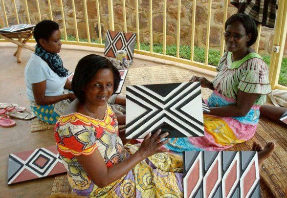 Women in Rwandan traditional imigongo collectives create artifacts, income, and friendships.