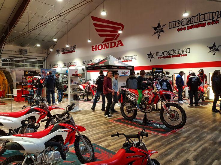 MX-Academy Motocross Shop Eröffnung am Freitag Abend #honda #motocross #switzerland #mxacademy #zurich #schweiz #winterthur  #thurgau #motorsport #stgallen #dubai #frauenfeld #fun #action #enduro  #offroad #dirtbike #bike #mxshop #motocrossshop