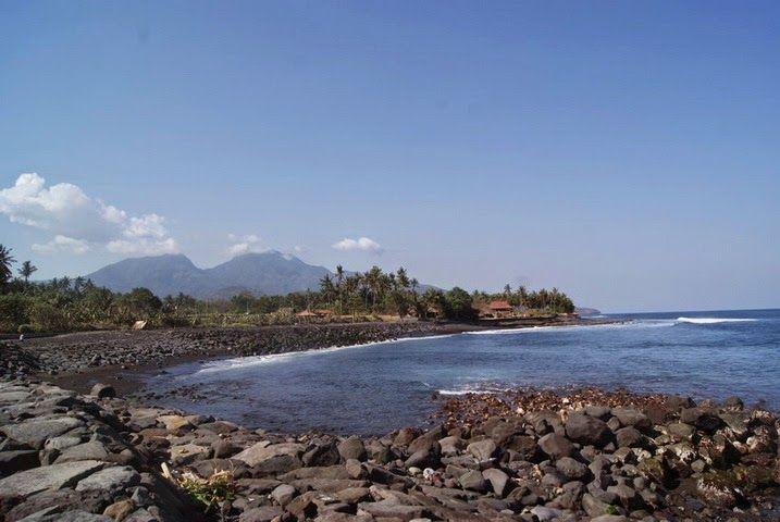 Bali Surf Guide: Jarsi Beach Jasri Beach is located in the Jarsi...