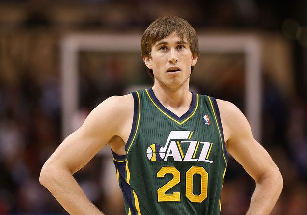 This is Gordon Hayward. In 2010, he was the ninth picked draft for the Utah Jazz. He also had a pretty basic dude haircut.