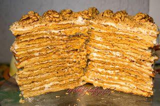 Tort orzechowy z naleśników miodowych | Milka Inspiration