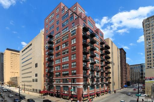 547 S Clark Street - Awesome loft for rent in Printers Row.  Well this one has now been rented but now worries there are more!  email info@bestchicagoproperties.com and let us help you find your Chicago condo rental!