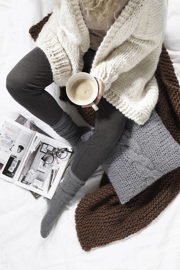 Knitted oversized cardigan www.panduro.com Yarn by Panduro #sweater #DIY #cardigan #cosy #knit #cushion