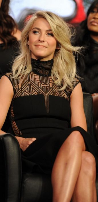 Julianne Hough: Dress – Amanda Wakeley  Jewelry – Graziela Gems  Shoes – Kurt Geiger