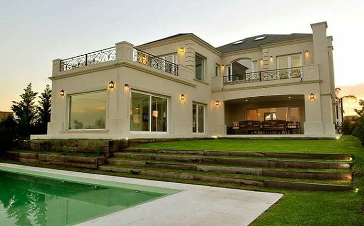 Casa estilo neoclasico casas ciba pinterest for Fachadas de casas estilo clasico