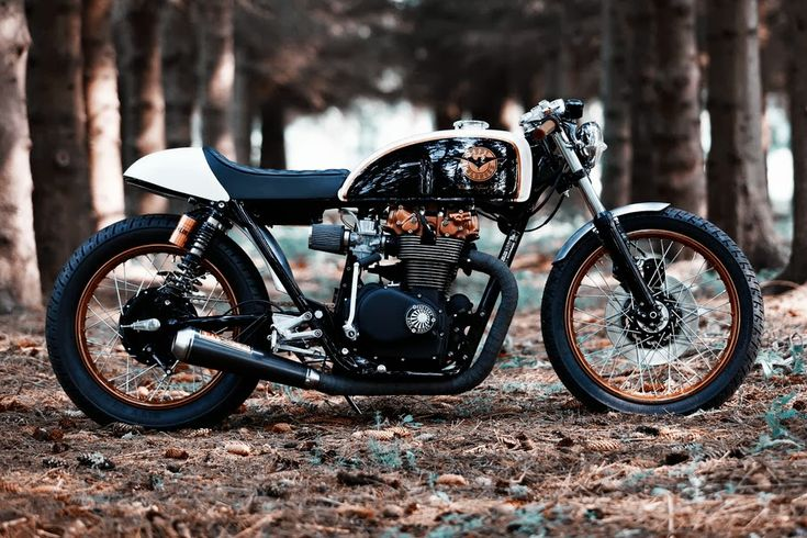 Welcome at Café Racers United! This is the place to learn, to be inspired and to enjoy Cafe Racers like this Honda CB500 Cafe Racer by Renard Speed Shop