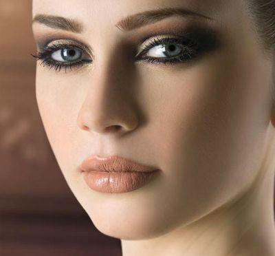 maquillage yeux gris bleu vert modèle tendance