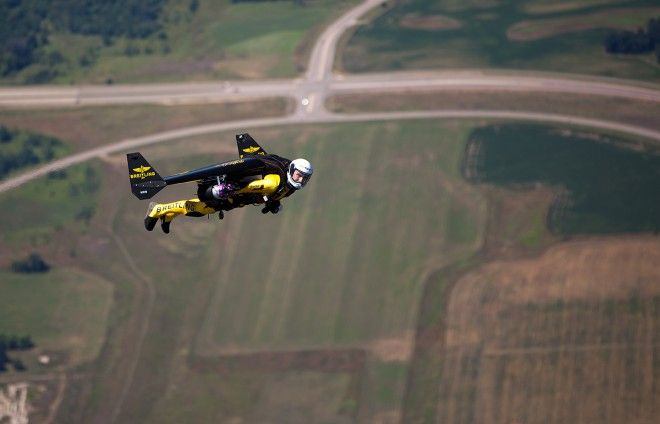 'Jetman' Yves Rossy Shows Us How to Fly His Carbon Fiber Jet Wing