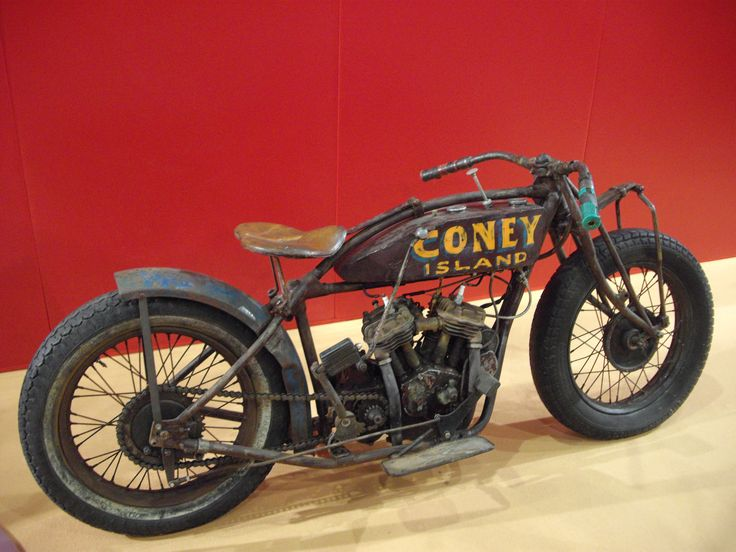 Photo of *Seen at MCN Bike show 2013* – 1924 Indian 'Scout' – Wall of Death bike