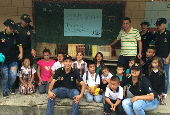 Programa escolarizado de la Policía Nacional visita institución rural educativa