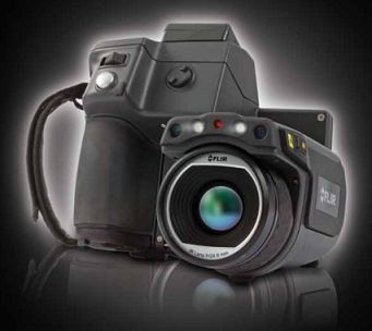 T640 Features 45 Degree Lens Rotatable Optical Block MSX Enhancement (T440 & T640 only) Picture in Picture & Thermal Fusion Manual and Autofocus Continuous Autofocus (T640 only) Annotation Sketch on IR and Visual Compass GPS FLIR Tools Mobile