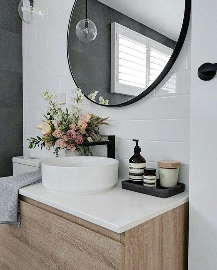 20 Beautiful Bathroom Mirror Ideas To Shake Up Your Morning Lipstick Trendy Pictures Minimalist Bathroom Bathroom Inspiration Amazing Bathrooms