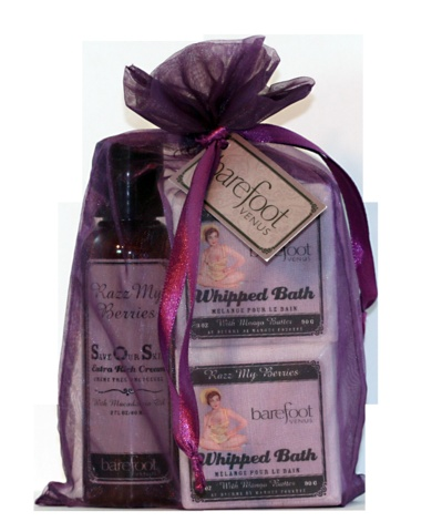 2oz lotion & two Whipped Bath. Wrapped & ready to give, in fragrance matched sachet.