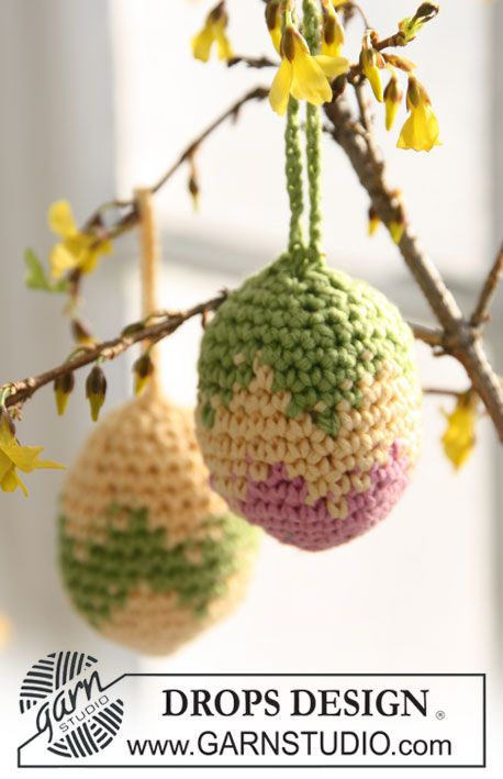 Cute Easter Egg Decorations @ Drops Design for free knitting pattern