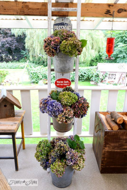 17 best images about decor patios and porches on for Funky garden accessories
