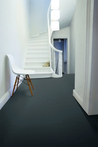gorgeous deep gray flooring